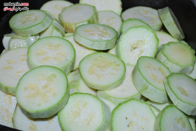 طرز تهیه ی کدو سبز به همراه گردو از غذا های گرجستان