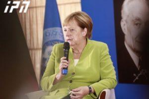 آنگلا مرکل: ما نمی توانیم از همکاری با روسیه در زمینه نفت و گاز امتناع کنیم