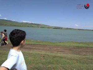 کودکان در دریاچه تفلیس